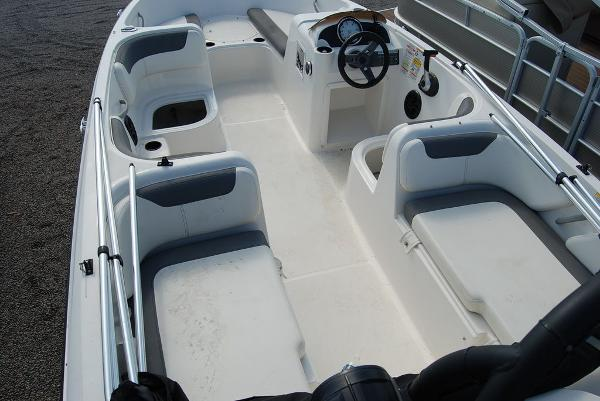 2018 Bayliner boat for sale, model of the boat is E-18 & Image # 10 of 11
