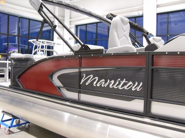 2021 Manitou boat for sale, model of the boat is SR 23 Encore VP & Image # 15 of 20