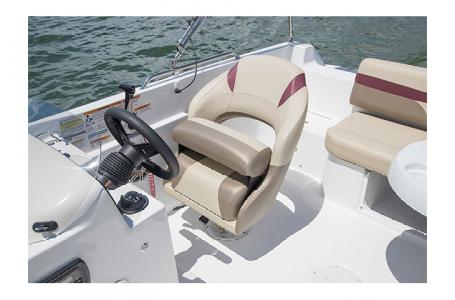 2017 Hurricane boat for sale, model of the boat is SS 201 & Image # 7 of 19