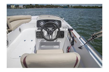 2017 Hurricane boat for sale, model of the boat is SS 201 & Image # 4 of 19