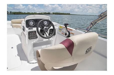 2017 Hurricane boat for sale, model of the boat is SS 201 & Image # 5 of 19