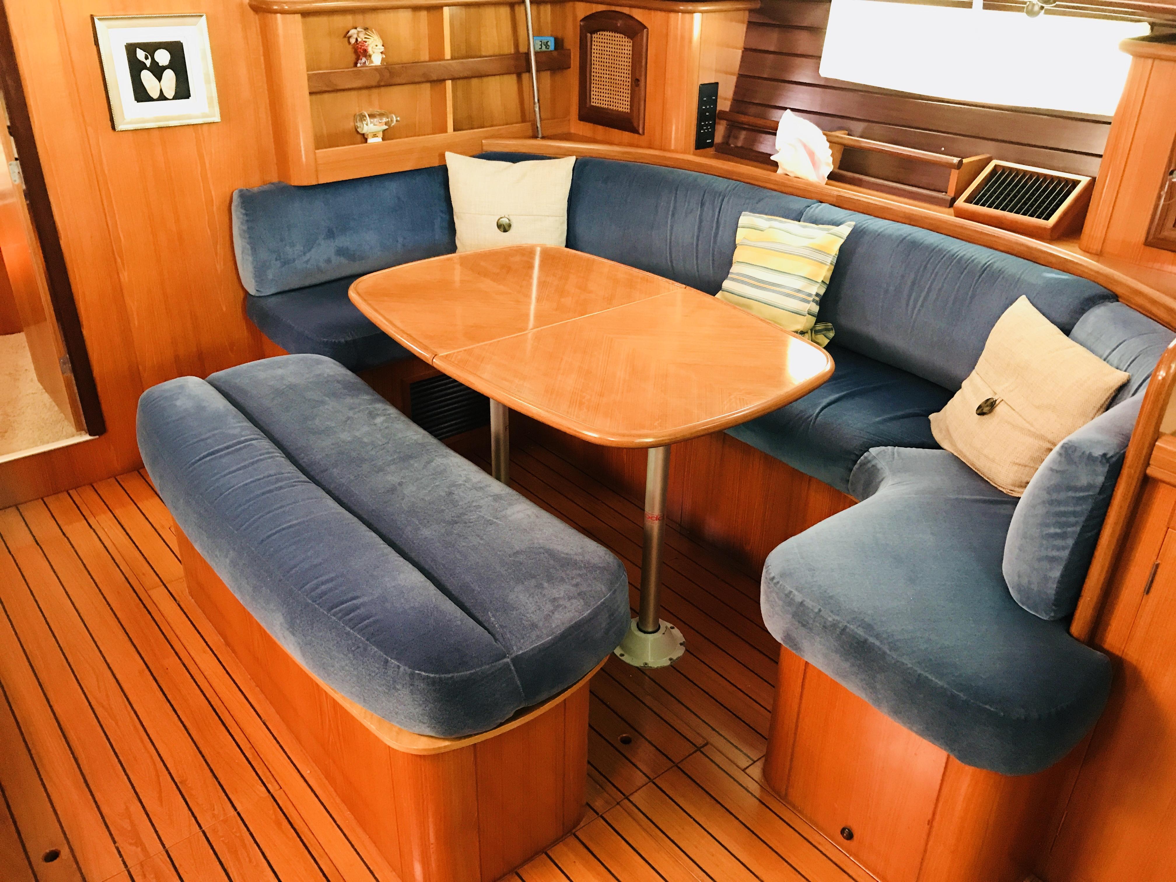 Beneteau Oceanis 461 - 1998 Beneteau Oceanis 461starboard dinette