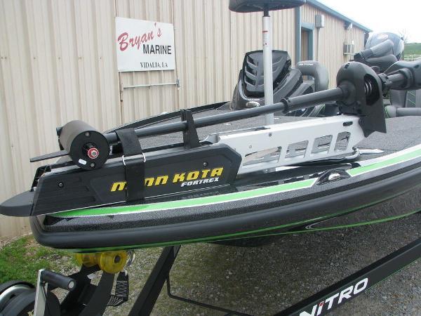 2019 Nitro boat for sale, model of the boat is Z18 & Image # 4 of 40