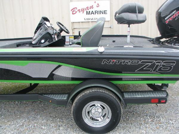 2019 Nitro boat for sale, model of the boat is Z18 & Image # 5 of 40