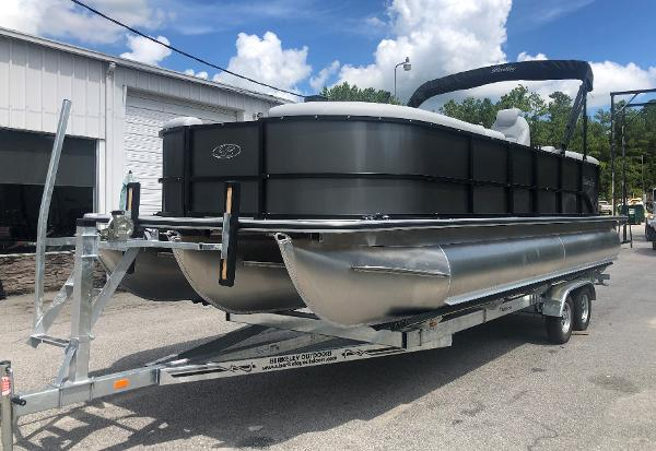 2021 Bentley boat for sale, model of the boat is 243 Navigator & Image # 1 of 30