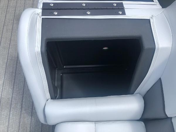2021 Bentley boat for sale, model of the boat is 243 Navigator & Image # 13 of 30
