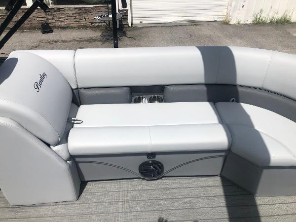 2021 Bentley boat for sale, model of the boat is 243 Navigator & Image # 26 of 30