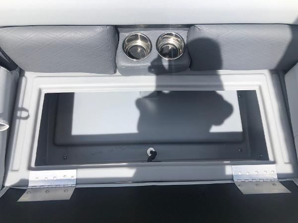 2021 Bentley boat for sale, model of the boat is 243 Navigator & Image # 28 of 30