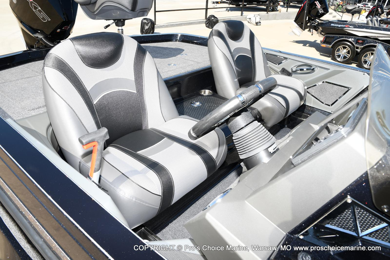 2021 Ranger Boats boat for sale, model of the boat is Z520L TOURING PACKAGE & Image # 5 of 50