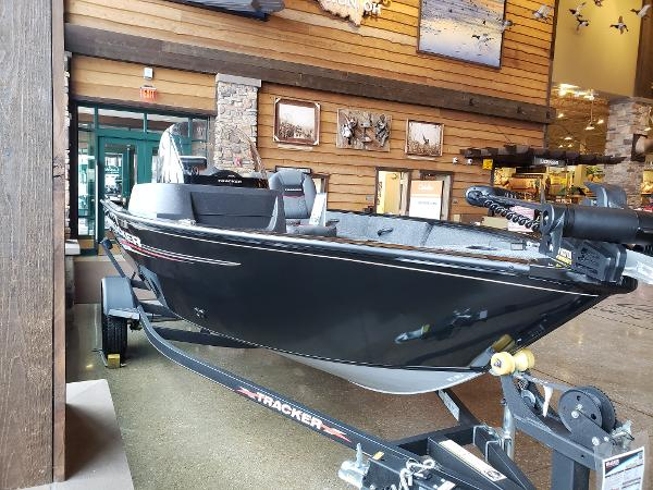 2021 Tracker Boats boat for sale, model of the boat is Pro Guide V-16 SC & Image # 1 of 74