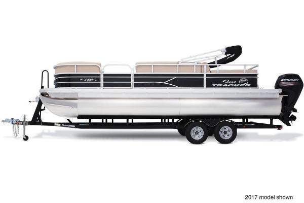 2018 Sun Tracker boat for sale, model of the boat is Party Barge 22 DLX & Image # 4 of 7