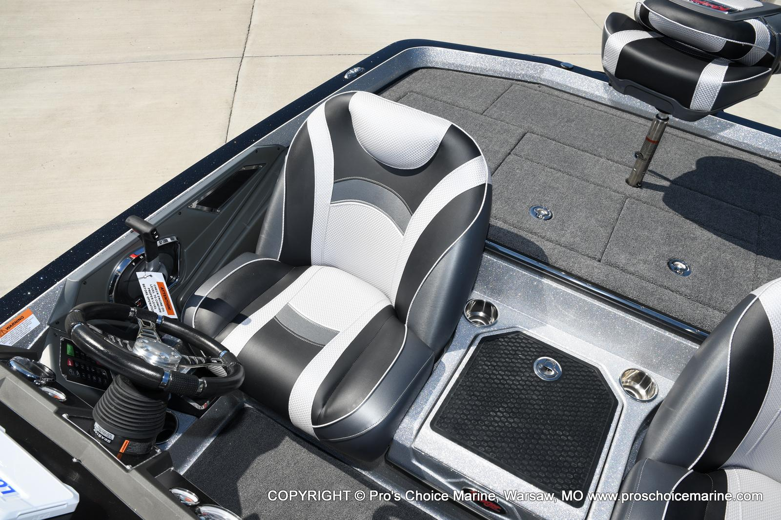 2021 Ranger Boats boat for sale, model of the boat is Z520L TOURING PACKAGE & Image # 12 of 50