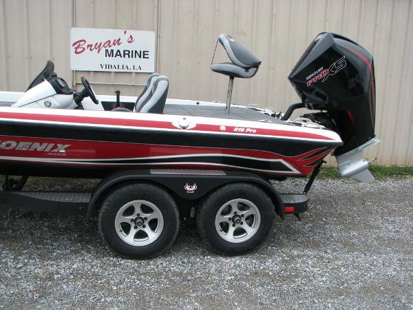 2019 Phoenix boat for sale, model of the boat is 819 PRO XP & Image # 2 of 18