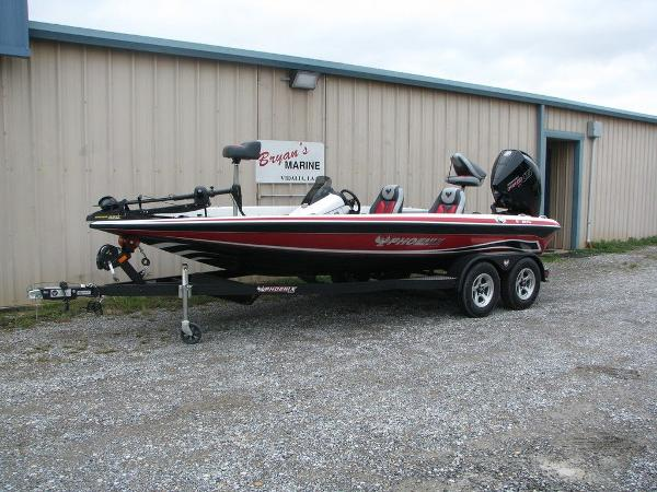 2019 Phoenix boat for sale, model of the boat is 819 PRO XP & Image # 3 of 18