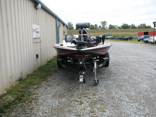 2019 Phoenix boat for sale, model of the boat is 819 PRO XP & Image # 4 of 18