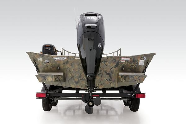 2021 Tracker Boats boat for sale, model of the boat is GRIZZLY® 2072 CC Sportsman & Image # 3 of 32