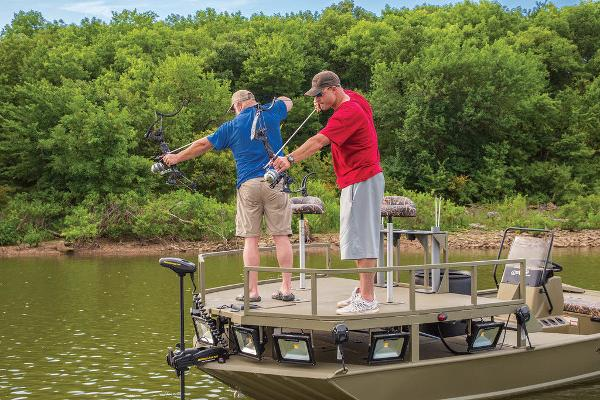 2021 Tracker Boats boat for sale, model of the boat is GRIZZLY® 2072 CC Sportsman & Image # 19 of 32