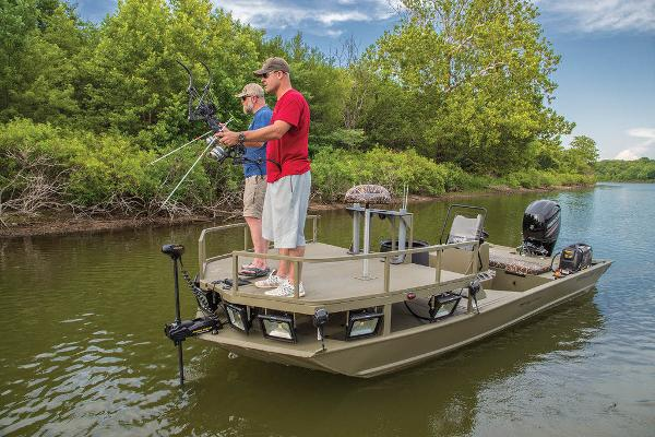 2021 Tracker Boats boat for sale, model of the boat is GRIZZLY® 2072 CC Sportsman & Image # 26 of 32