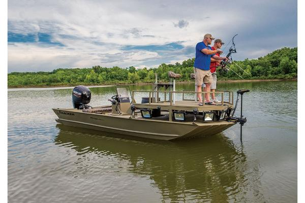 2021 Tracker Boats boat for sale, model of the boat is GRIZZLY® 2072 CC Sportsman & Image # 28 of 32