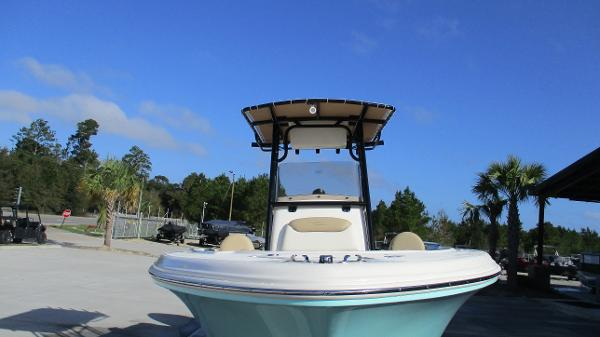 2021 Pioneer boat for sale, model of the boat is 202 Islander & Image # 7 of 47