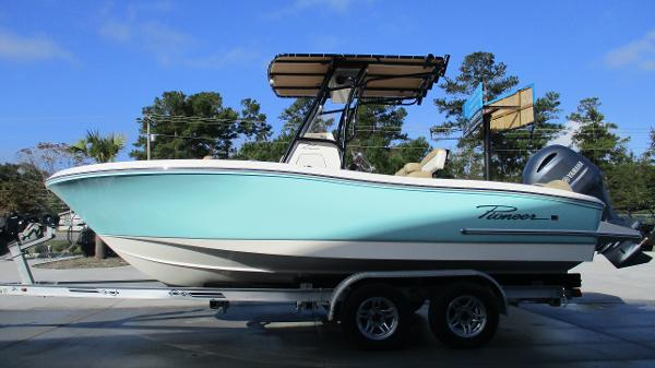 2021 Pioneer boat for sale, model of the boat is 202 Islander & Image # 4 of 47