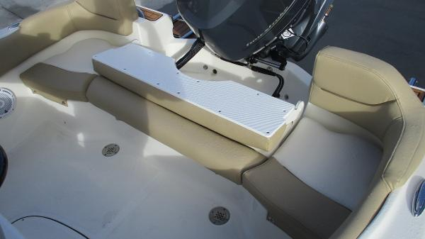 2021 Pioneer boat for sale, model of the boat is 202 Islander & Image # 12 of 47