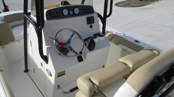 2021 Pioneer boat for sale, model of the boat is 202 Islander & Image # 23 of 47