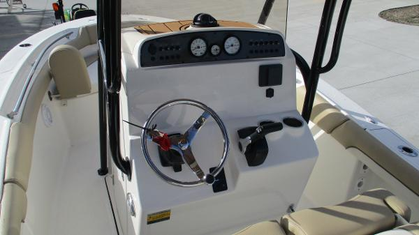 2021 Pioneer boat for sale, model of the boat is 202 Islander & Image # 25 of 47