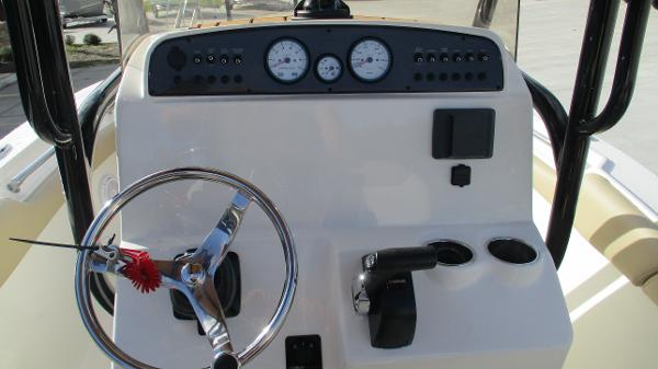 2021 Pioneer boat for sale, model of the boat is 202 Islander & Image # 26 of 47