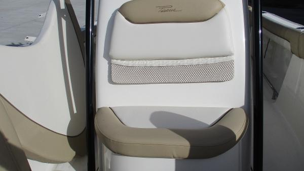 2021 Pioneer boat for sale, model of the boat is 202 Islander & Image # 41 of 47