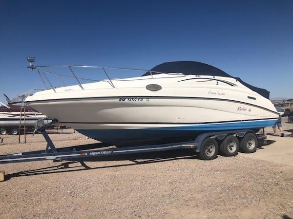 1999 Rinker boat for sale, model of the boat is Fiesta Vee 266 & Image # 1 of 2