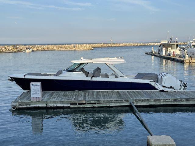 2022 Tiara Yachts 43LS