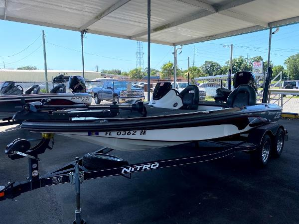 2017 Nitro boat for sale, model of the boat is Z18 & Image # 2 of 20