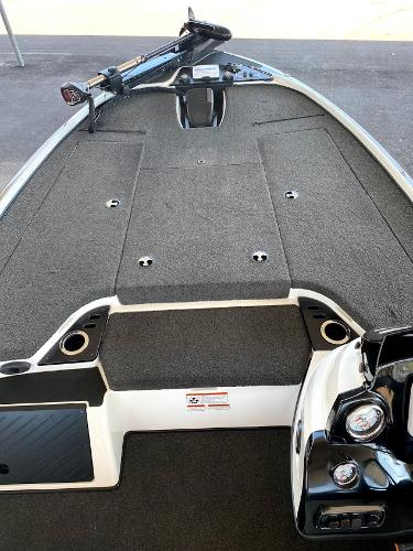 2017 Nitro boat for sale, model of the boat is Z18 & Image # 19 of 20
