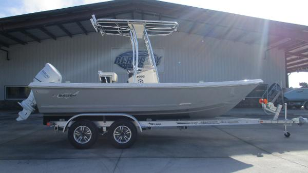 2021 Bulls Bay boat for sale, model of the boat is 2000 & Image # 3 of 46