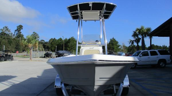 2021 Bulls Bay boat for sale, model of the boat is 2000 & Image # 7 of 46