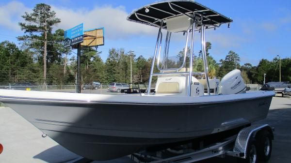 2021 Bulls Bay boat for sale, model of the boat is 2000 & Image # 2 of 46