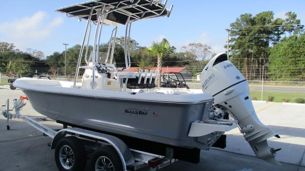 2021 Bulls Bay boat for sale, model of the boat is 2000 & Image # 6 of 46
