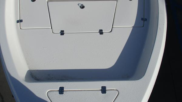 2021 Bulls Bay boat for sale, model of the boat is 2000 & Image # 9 of 46