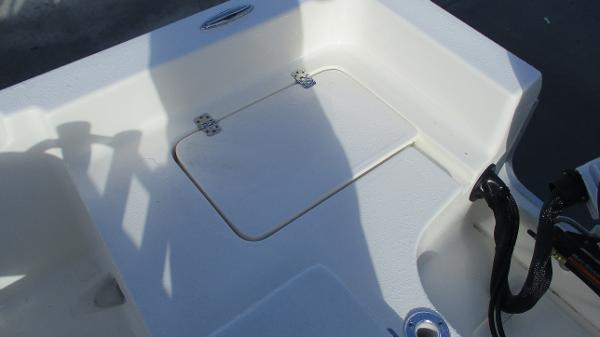 2021 Bulls Bay boat for sale, model of the boat is 2000 & Image # 15 of 46