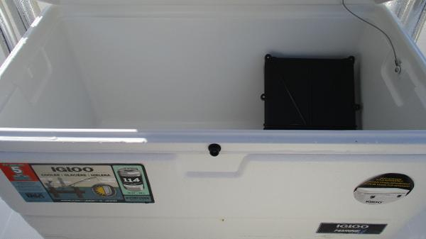 2021 Bulls Bay boat for sale, model of the boat is 2000 & Image # 22 of 46