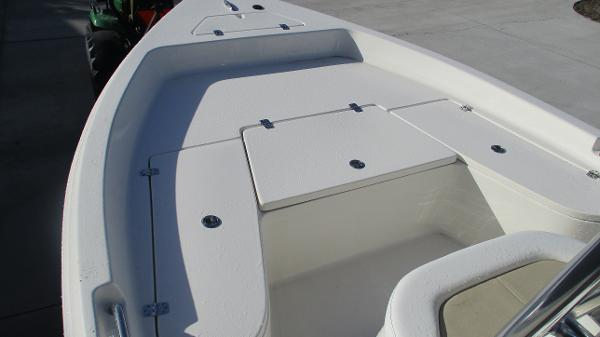 2021 Bulls Bay boat for sale, model of the boat is 2000 & Image # 32 of 46