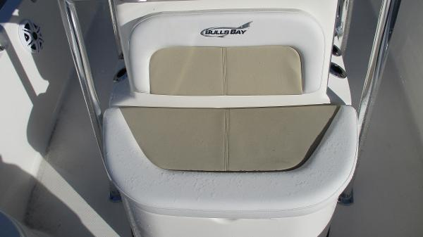 2021 Bulls Bay boat for sale, model of the boat is 2000 & Image # 39 of 46