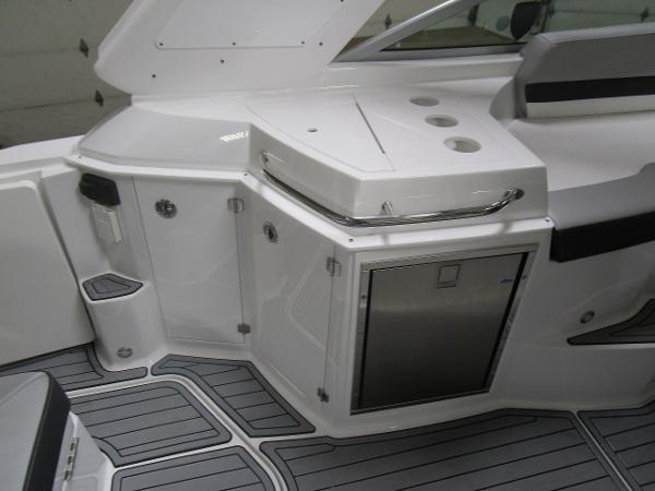 2021 Monterey boat for sale, model of the boat is 295 Sport Yacht & Image # 16 of 40