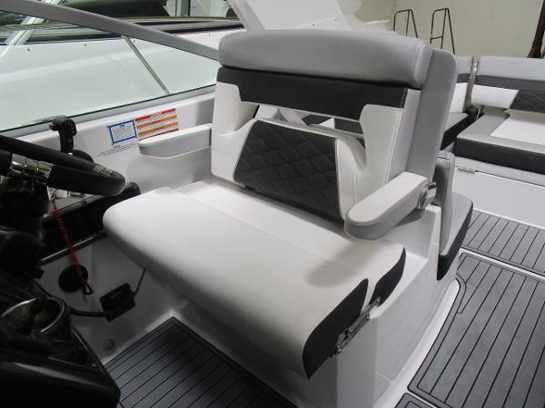 2021 Monterey boat for sale, model of the boat is 295 Sport Yacht & Image # 21 of 40