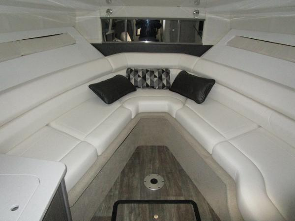 2021 Monterey boat for sale, model of the boat is 295 Sport Yacht & Image # 31 of 40