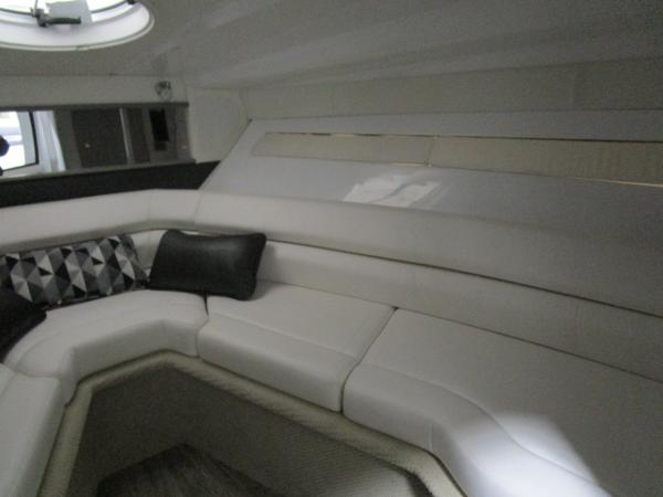 2021 Monterey boat for sale, model of the boat is 295 Sport Yacht & Image # 32 of 40
