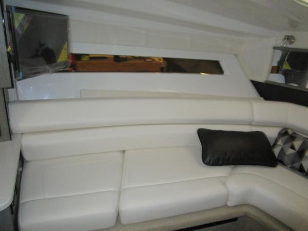 2021 Monterey boat for sale, model of the boat is 295 Sport Yacht & Image # 33 of 40