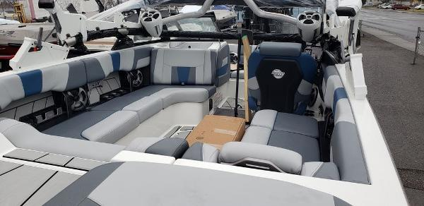 2021 Malibu boat for sale, model of the boat is 23 LSV & Image # 2 of 2