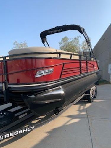 2019 Regency boat for sale, model of the boat is 230 LE3 Sport & Image # 1 of 15